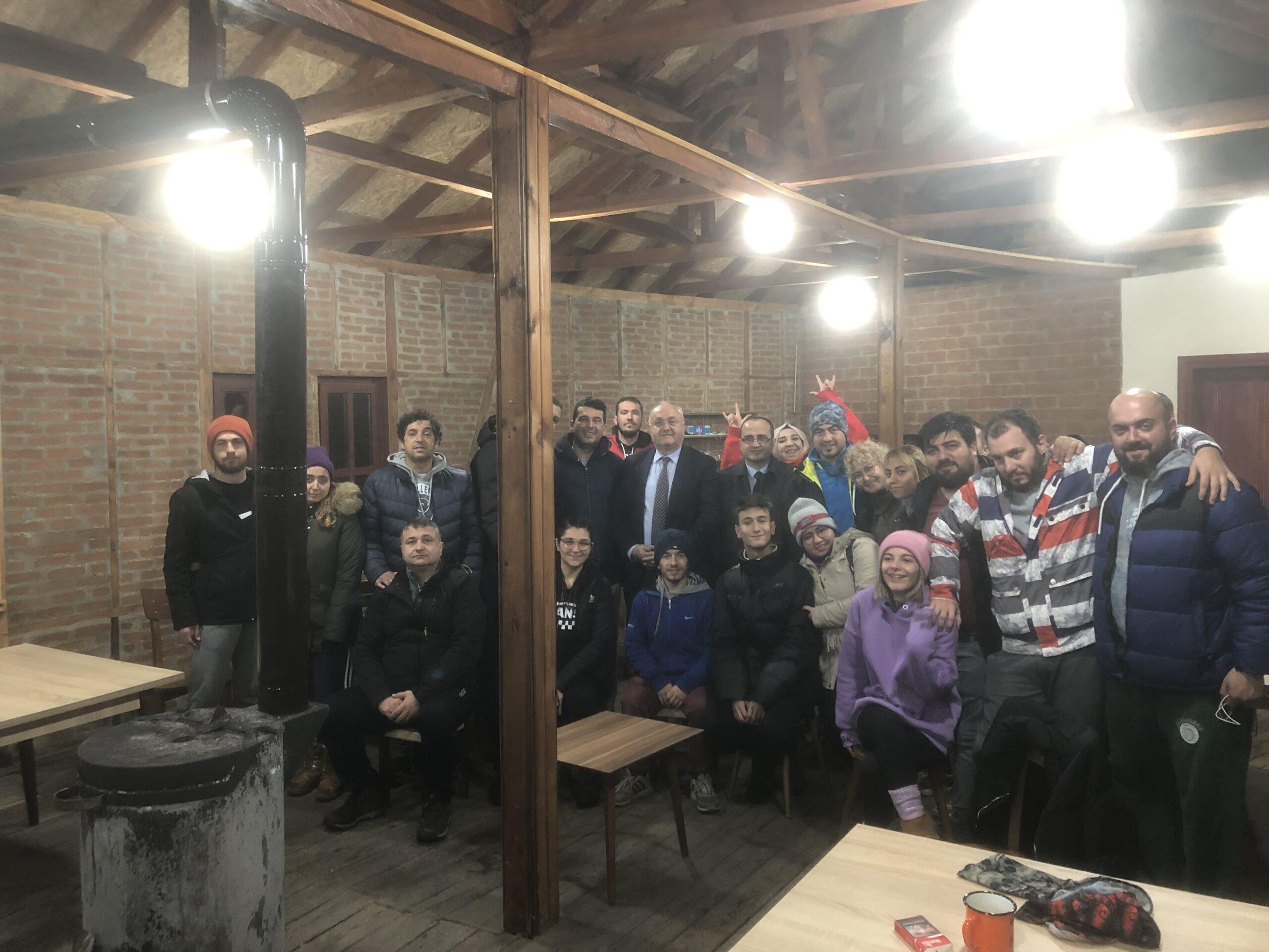 Gölyaka Kaymakamı V.Abdullah KURT ve Belediye Başkanı Yakup DEMİRCAN Ziyarete geldi.